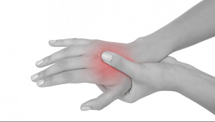 examinarea durerii în articulația umărului durerea în articulația degetului de la picior cauzează