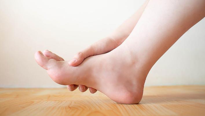 prim ajutor pentru artrita degetelor de la picioare