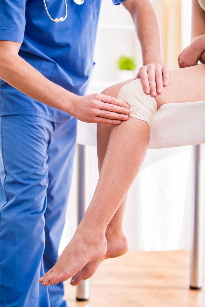 cum să amelioreze umflarea și durerea genunchiului articulații calde cu inflamații