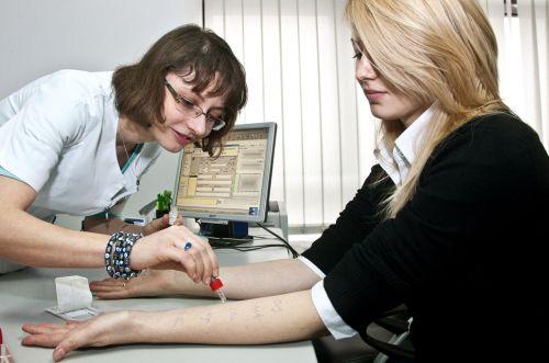 dureri de articulație și crize care medic durerea articulației genunchiului provoacă tratament